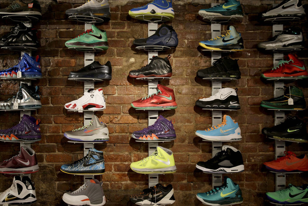 Sneaker Pawn Shop – ARCH-USA
