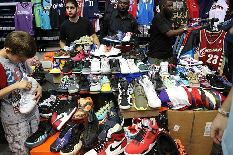 604f4c2d4e Thou Shall Not Fool Thyself : Reselling Sneakers Isn't A Business