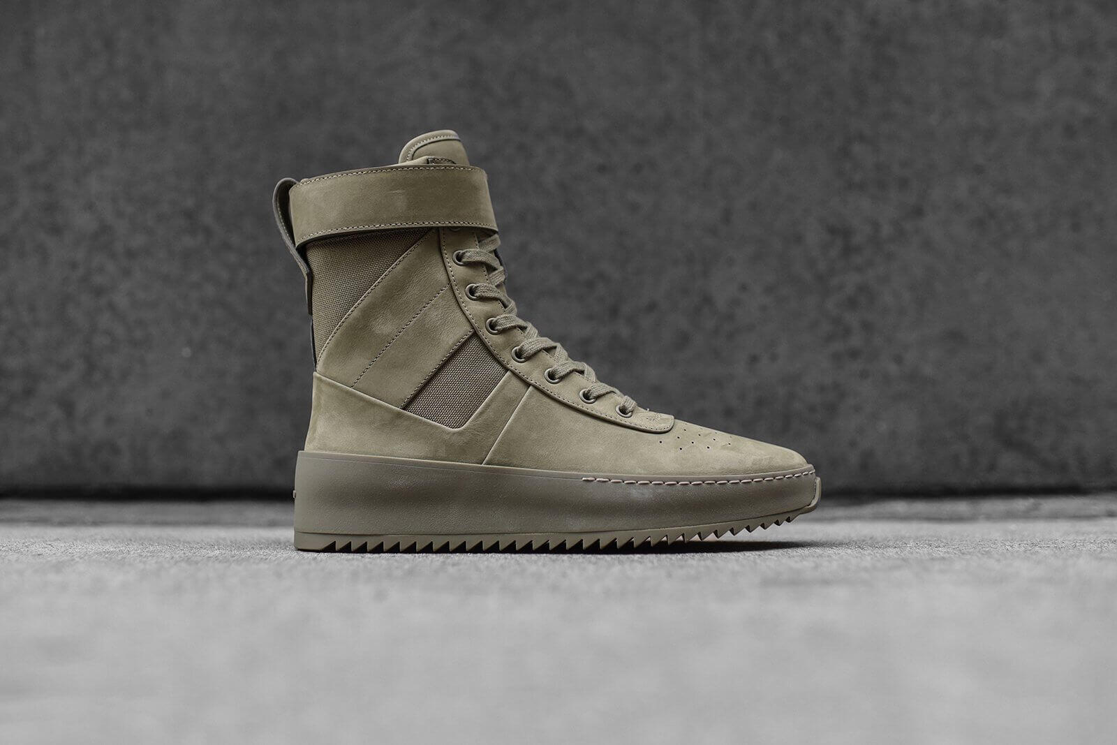 22 Fear Of God Military Sneaker High