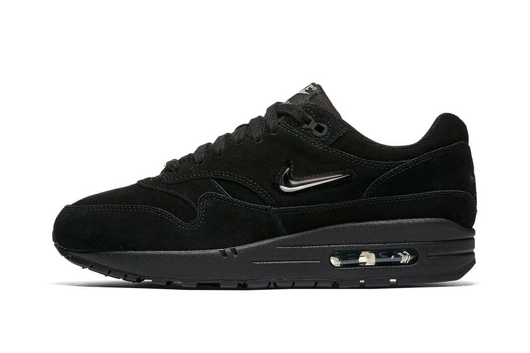 nike air max 1 triple black